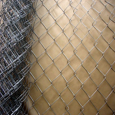 Hot dipped chain link fence